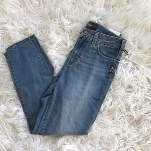 9255b437cdc50 Silver Jeans Jeans - NEW • Silver Jeans • Bleeker Crop Medium Wash 28